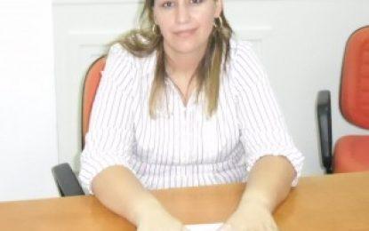 Vereadora Vanuza Oliveira pede informações ao prefeito sobre a causa do não pagamento de custeio para agentes de saúde