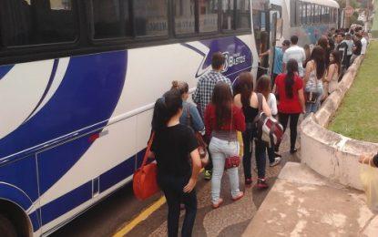 Estudantes de Angatuba vão ao Enem e queixam-se da prefeitura pela falta de apoio