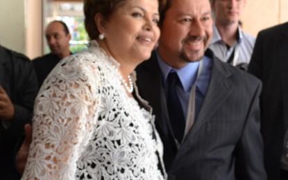 Jr. Palmeirense encontra-se com Dilma Roussef em Congresso da Facesp