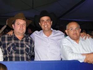 Marco Turelli, à direita, com Calá e Pozitelli.