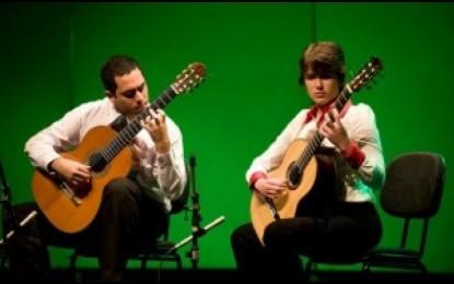 Novembro de 2009- Músico angatubense vence com menção honrosa em concurso de violão em São Paulo
