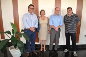 Luciano Oller, diretor da DRADs, secretária municipal de Ação Social Elizabeth Santos, secretário Hamam e Roberto Comeron