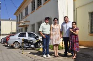 Da esq. para dir. o vice-prefeito Geraldo, a secretária da Educação Vânia Paschoa, o prefeito Comeron e a secretária da Cultura, Setembrina.