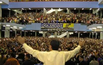 População evangélica no Brasil chega a 36.480.000 e passa a ser forte elemento nos resultados das eleições