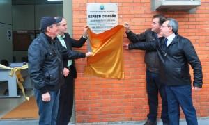 Prefeito Comeron, vice-prefeito Geraldo Almeida, vereador Pedro Coreea e secretário Jamil Rodrigues.