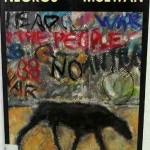 """""""Cães Negros"""" (    ) - Ian McEwan. A queda do muro de Berlim, o fim do comunismo, a exacerbação dos conflitos étnicos na Europa deste fim de século reavivaram terríveis fantasmas e sentimentos primitivos do ódio e terror. A face histórica do mal, com a complexidade dos conflitos morais que o envolvem, é revelada neste livro, ao mesmo tempo um thriller surpreendente e uma terrível fábula. Ian McEwan usa a imagem da queda do muro que separava o mundo capitalista do comunista, como pano de fundo para uma história de amor mal resolvido. O que está em jogo é menos o casamento desfeito de June e Bernard e mais a dissociação, causada pela guerra, do espírito humano. Simbolicamente, June ficou com a face mística e Bernard, com a racionalista. Um casal que nunca mais conseguiu viver junto e nunca deixou de se amar. Velhos, ela à beira da morte, resolvem enfrentar os velhos fantasmas ao revelar a um quase estranho, suas próprias versões para o incidente que os separou. Ian McEwan, (Aldershot, 21 de junho de 1948), escritor britânico, chamado por vezes de """"Ian Macabro"""", devido à natureza das suas primeiras obras, e que de romance a romance se tem convertido em um dos mais conhecidos da sua geração. Passou parte da sua infância no Extremo Oriente, na Alemanha e no Norte de África, já que o seu pai era um oficial do Exército Britânico que foi colocado sucessivamente nesses locais. Estudou na Universidade de Sussex e na Universidade de East Anglia, onde teve Malcom Bradbury como professor. A primeira das suas obras publicadas foi a colecção de relatos """"Primeiro amor"""", últimos ritos (1975). Em 1998, e causando grande controvérsia, foi-lhe concedido o Prémio Man Booker pela novela Amesterdão. Em 1997 publicou """"O fardo do amor"""", considerada por muitos como uma obra-prima sobre uma pessoa que sofre do síndroma de Clerambault."""
