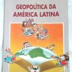 """""""Geopolítica da América Latina"""" (    )- Nelson Bacic Olic / Beatriz Canepa. Esse livro traça um panorama geográfico, econômico e geopolítico da América Latina. Os problemas que afligem os países que dela fazem parte encontram suas raízes no sistema colonialista, estabelecido de  acordo com os interesses das metrópoles. Mesmo após a independência e a tardia industrialização, realizada de forma diversa conforme o país, a hegemonia econômica dos Estados Unidos tornou-se uma constante, dificultando a emancipação econômica e intervindo politicamente e pela força em inúmeras situações. Os conflitos entre os países na disputa de territórios até a configuração geográfica atual, bem como o enfrentamento interno de organizações de diferentes matizes ideológicos desenham um panorama turbulento na América Latina. Entre caudilhos, golpes militares e tentativas de democratização, os governos têm implementado planos de estabilização econômica, de enfrentamento do narcotráfico, da violência e das desigualdades sociais. stabilização econômica, de enfrentamento do narcotráfico, da violência e das desigualdades sociais. Nelson Bacic Olic. Geógrafo. Professor dos Ensinos Fundamental e Médio. Autor de livros paradidáticos. Co-autor de Geografia do Sistema Uno de Ensino (Editora Moderna). Editor do boletim Mundo — Geografia e Política Internacional (Editora Pangea). Beatriz Canepa, jornalista. Editora especial do Almanaque Abril."""