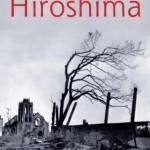 """""""HIROSHIMA """"(1946)-  John Hersey. É o título de um artigo escrito pelo ganhador do Prêmio Pulitzer John Hersey, que foi publicado na edição de 31 de agosto de 1946 da The New Yorker. Posteriormente o artigo foi convertido para uma edição em livro. O artigo descreve como os bombardeios atômicos de Hiroshima e Nagasaki afetaram a vida de seis indivíduos: Reverendo Kiyoshi Tanimoto: um pastor Metodista educado nos Estados Unidos na Universidade de Emory; Hatsuyo Nakamura: uma viúva de guerra, mãe de três crianças; Dr. Masakazu Fujii: médico proprietário de um hospital privado; Padre Wilhelm Kleinsorge (Makoto Takakura): um pastor Jesuíta designado para a cidade; dr. Terufumi Sasaki: um jovem médico no Hospital da Cruz Vermelha; e Toshiko Sasaki: uma funcionária administrativa da East Asia Tin Works (sem parentesco com Terufumi Sasaki).  Cada relato é seguido por um breve comentário descrevendo o quão perto cada pessoa estava do epicentro da explosão. O artigo consiste de quatro partes: Um Brilho Sem Barulho: descreve o momento da explosão; O Fogo: descreve a devastação que a cidade experimentou imediatamente após a explosão, e os esforços dos hibakusha (sobreviventes do bombardeio) para conseguirem se salvarem no Parque Asano; Detalhes Estão Sendo Investigados: descreve como os rumores sobre o que aconteceu estavam assolando a cidade, enquanto os hibakusha ofereciam ajuda e conforto um para o outro; Panic Grass and Feverfew: descreve as semanas após o ataque, no que os hibakusha tentam reconstruir suas vidas, enquanto sofrem das sequelas e condições de saúde que atormentaram o seu ajuste a uma vida normal. John Richard Hersey (Tientsin, China, 17 de junho de 1914  / Key West, 24 de março de 1993),  escritor e jornalista norte-americano. Durante a Segunda Guerra Mundial, ele cobriu ambas as guerras da Europa (Sicilia) e Ásia (Batalha de Guadalcanal), escrevendo artigos para Time, Life, e The New Yorker. As escritas dele durante este tempo incluíram """"Men on Bataan"""", """"Int"""
