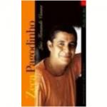 """""""Zeca Pagodinho-a vida que se deixa levar"""" (    )- Luiz Fernando Vianna. Para um artista brasileiro nada é mais significativo do sucesso do que ser associado a uma conquista da Seleção Brasileira de Futebol. Dessa forma, quando 'Deixa a vida me levar' se tornou hino da conquista do pentacampeonato, Zeca Pagodinho foi confirmado definitivamente como um dos 'generais' do samba. Ao longo de sua carreira, Zeca Pagodinho têm-se mostrado uma personalidade fascinante, capaz de unir o tradicional e o novo nos sambas que interpreta e compõe, sem ter qualquer pretensão de ser este elo. Pelo contrário, neste Perfil, Luiz Fernando Vianna conta a história deste anti-herói que, entre acertos e tropeços, construiu um capítulo singular na história do samba. Capítulo este que começou a ser escrito em Irajá, subúrbio do Rio de Janeiro, em meio a partidos, pagodes, terreiros, bares e casas, e evoluiu por onde quer que houvesse um bom samba. A seu modo, e fiel ao estilo 'deixa a vida me levar' - verso que iria consagrá-lo definitivamente - Zeca transformou-se na mais nova unanimidade nacional. Carioca suburbano típico, soube se adaptar aos redutos mais elitistas da cidade sem perder a autenticidade, se tornando um moderno e divertido Perfil do Rio."""