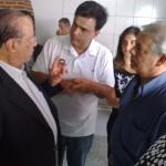 Calá recebendo Paulo Maluf em sua casa no ano de 2010.