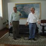Deputado João Caramêz (PSDB), quando buscava apoio do então prefeito Emílio (à direita)