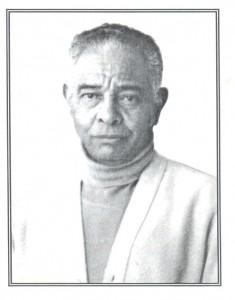"""Foto da contracapa de """"Reminiscências"""" do Dr. Renato"""