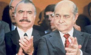 Tancredo Neves, atrás o vice Sarney, que acabou tomando posse com a morte do político mineiro.