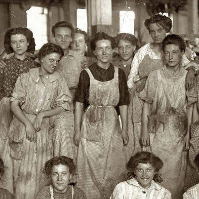 Operárias de uma indústria norte-americana no início do século 20.