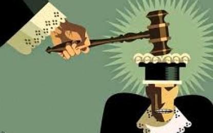 Juízes fora da lei