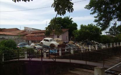 População reclama do maltrato e da sujeira em que se encontram ruas e outros espaços de Angatuba
