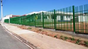Grade de proteção da EMEI Oscar Vieira Murat que será inaugurada no dia 16 de setembro.