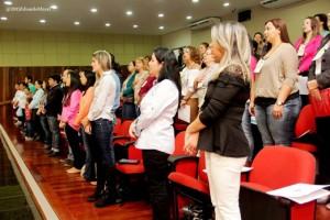 Público presente no plenário da Câmara Municipal de Itapeva