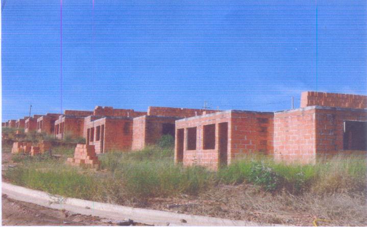 Casas do CDHU há mais de seis anos sem qualquer solução: um dos sérios problemas que aflige o povo angatubense.