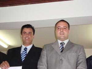 Calá, à esquerda, e o amigo juiz de direito Alexandre Levy Perrucci.