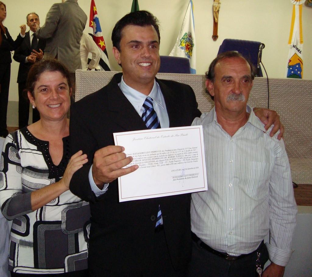 Grilo, à direita, com o prefeito Calá, a advogada Márcia Rodrigues, na posse de 2009.