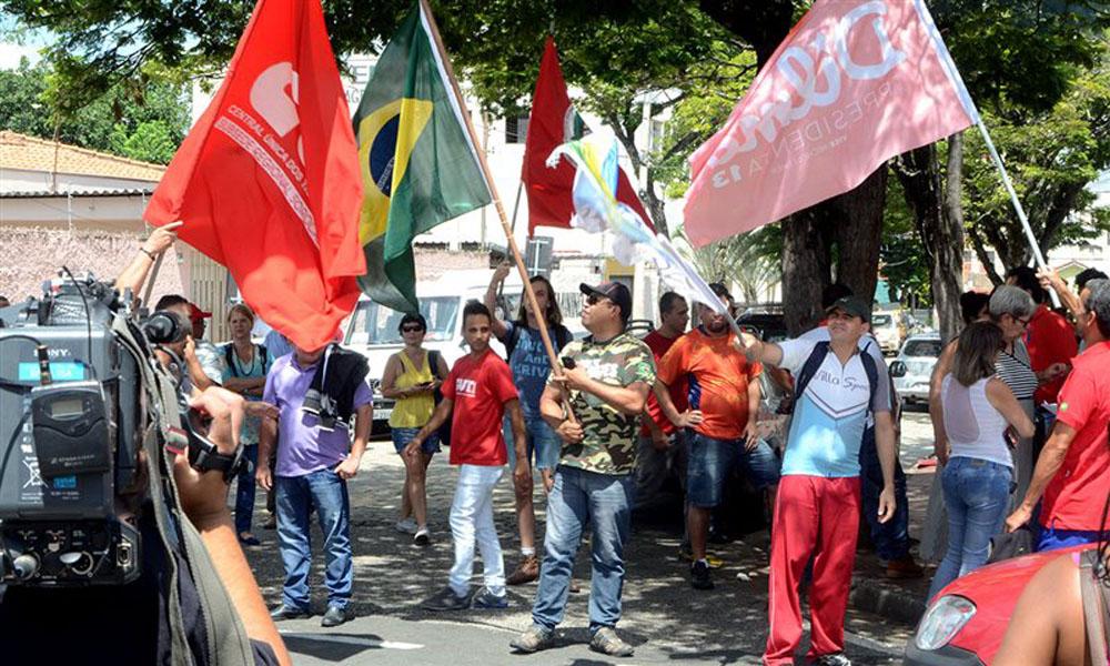 Saída de integrantes do Comitê , na sexta-feira, 18 de março, para a manifestação em São Paulo. Fonte: Imprensa Metal.