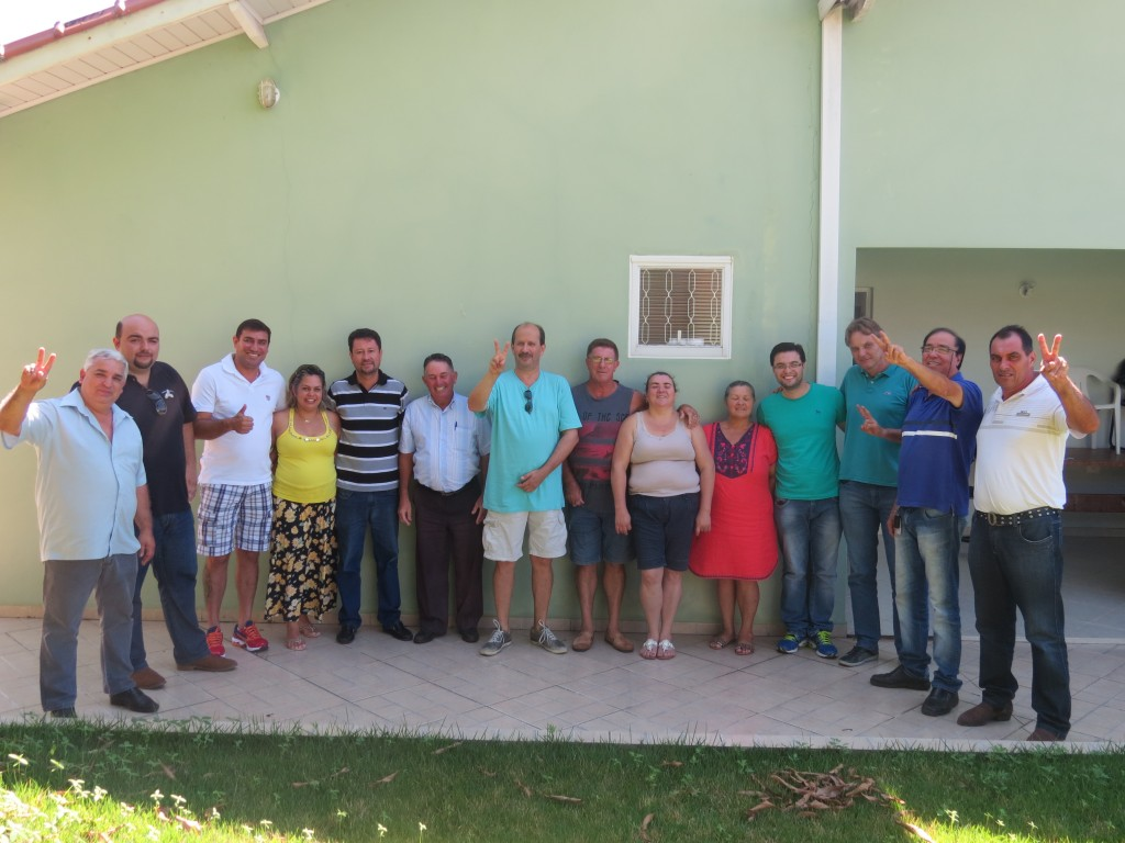 Participantes  da reunião dos partidos oposicionistas ocorrida neste sábado