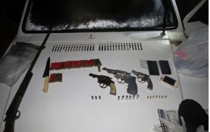 Três ladrões morrem em tiroteio com a polícia após roubo em Buri