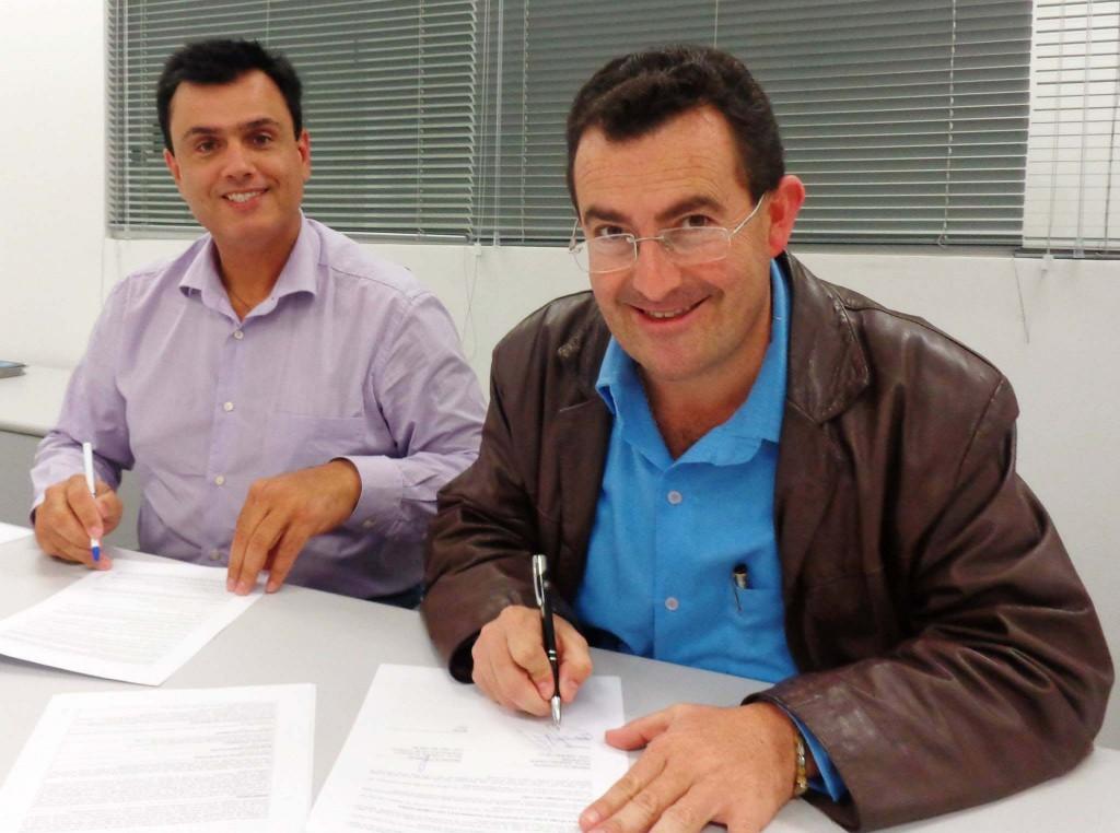 Calá (à esquerda) com o vice-prefeito João Luiz Meira.