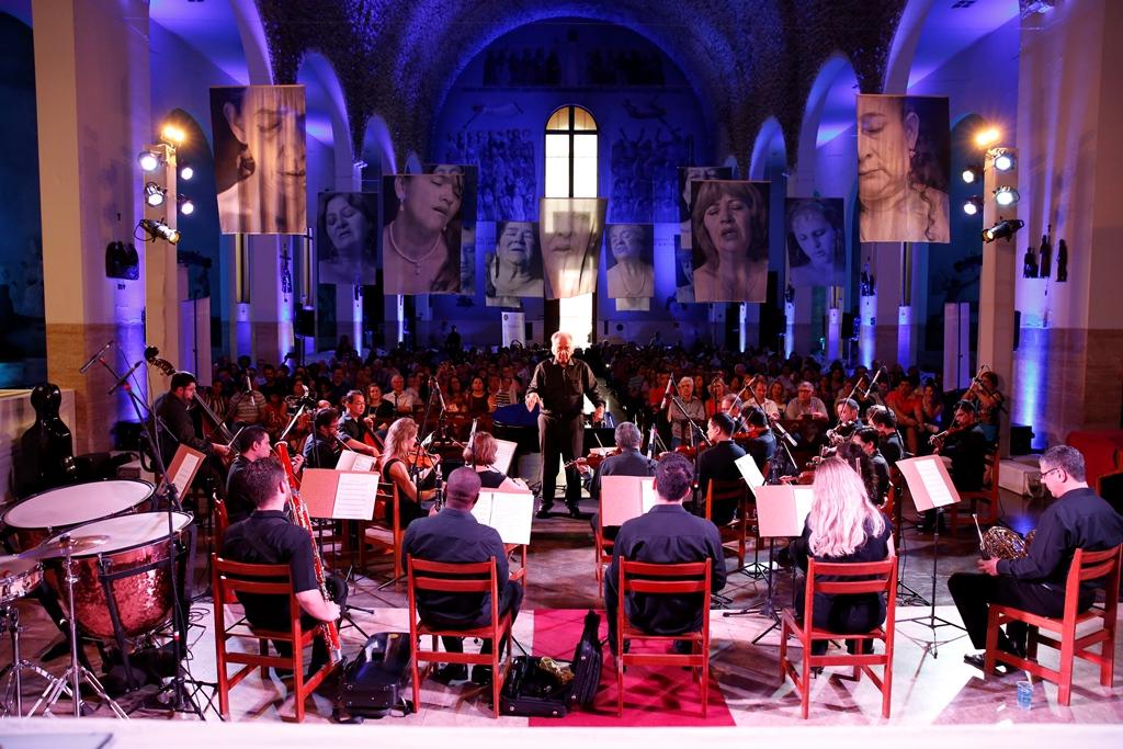 João Carlos Martins com a Orquestra do Ses. Foto Sesi/Divulgação.