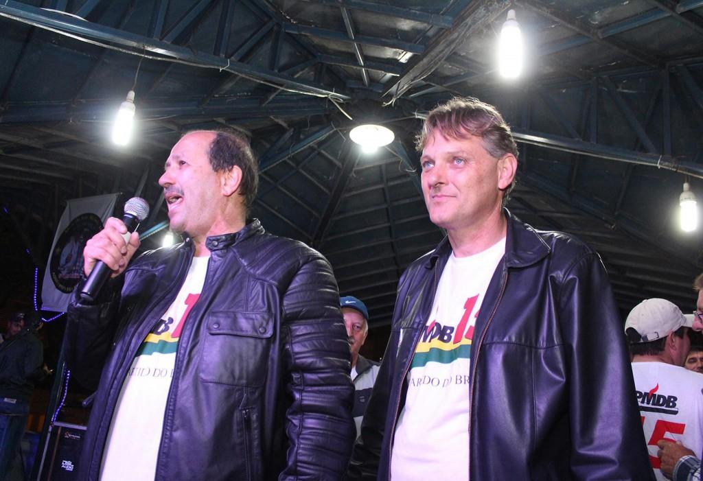 Os eleitos, a prefeito, Dr. Luiz; a vice, Márcio Abdelnur, no discurso da vitória.