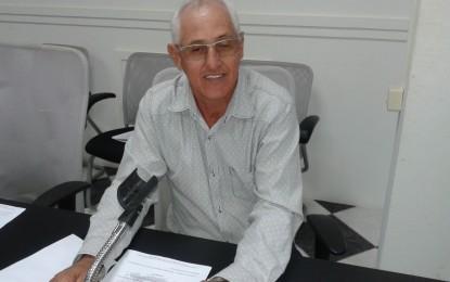 Presidente da Câmara Maceninho  pede que Vivo e Tim instalem torres de transmissão para zona rural