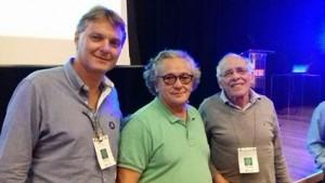 Márcio Abdelnur, à esquerda, com o coordenador do Programa Municipio Verde Azul, José Walter Figueiredo e o professor César Ribeiro, em  encontro do meio ambiente em Itapetininga na semana passada.