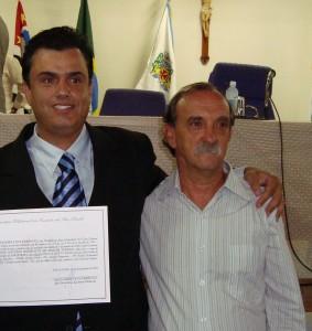 Grilo, à direita, com o ex-prefeito Calá.