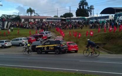 Curitiba, 10 de maio – pela democracia, contra o golpe