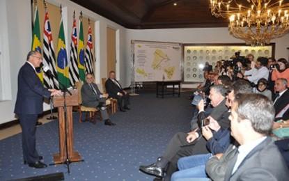 Governador Geraldo Alckmin assina autorização para licitar obras da rodovia Raposo Tavares