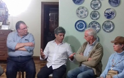 Deputado Paulo Teixeira reúne-se em Angatuba e avalia situação atual do país e as eleições de 2018