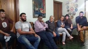 Presidente do PT de Campina  de Monte Alegre, Vinícius, debatendo uma questão.