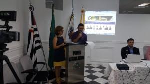 Os apresentadores Neimara Américo dos Santos e Renan Augusto de Souza