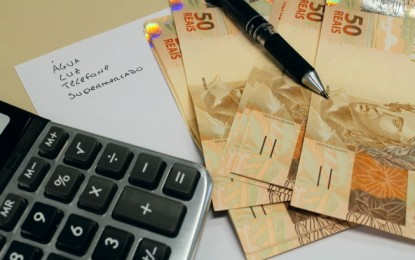 Mais de 61 milhões de brasileiros estão endividados