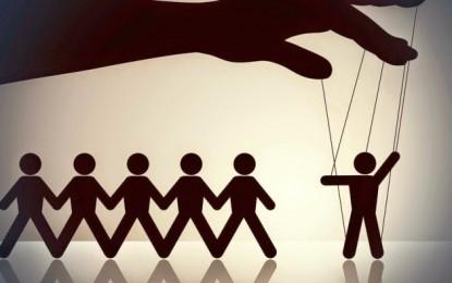 O alienado político é o próprio inocente útil