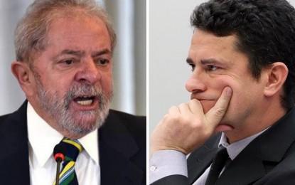 Sérgio Moro é um político que se fazia de juiz. Lula é um preso político