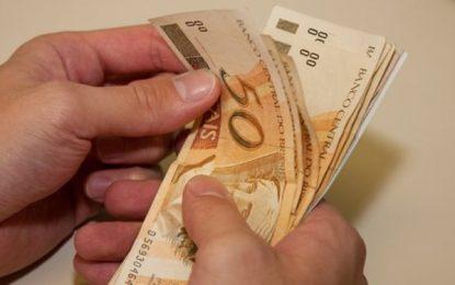 Ao diminuir salário mínimo, Bolsonaro mostra para quem irá governar